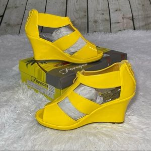 FOREVER LINK Yellow Tuna Patent Wedge 8